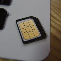 Amazonで人気のSIMカード変換アダプターを試す。全サイズ対応、落下防止シート付で格安SIMユーザーにおすすめ