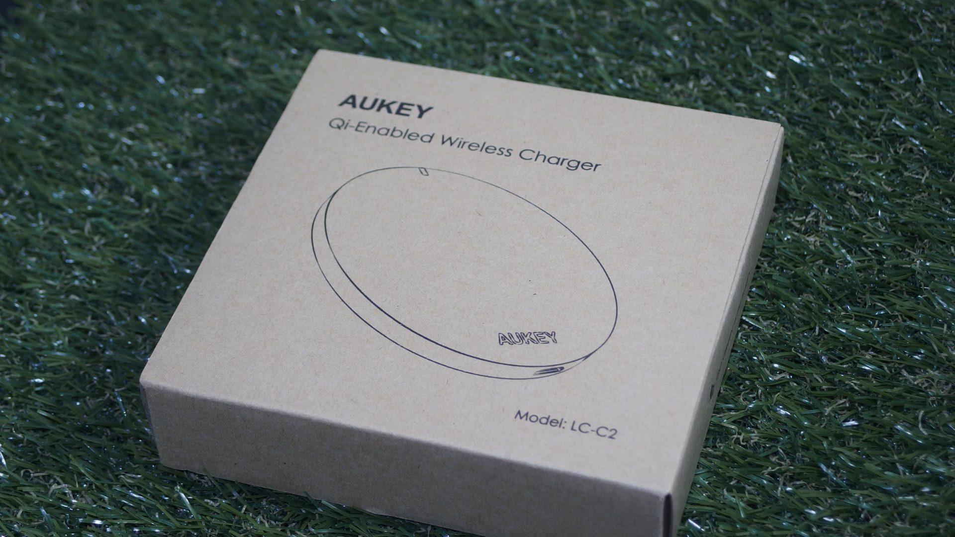 aukeyのワイヤレスチャージャー