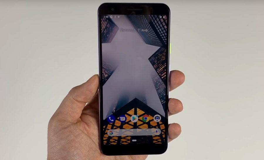 Pixel 3 Liteのレビュー動画の1コマ。端末正面から。