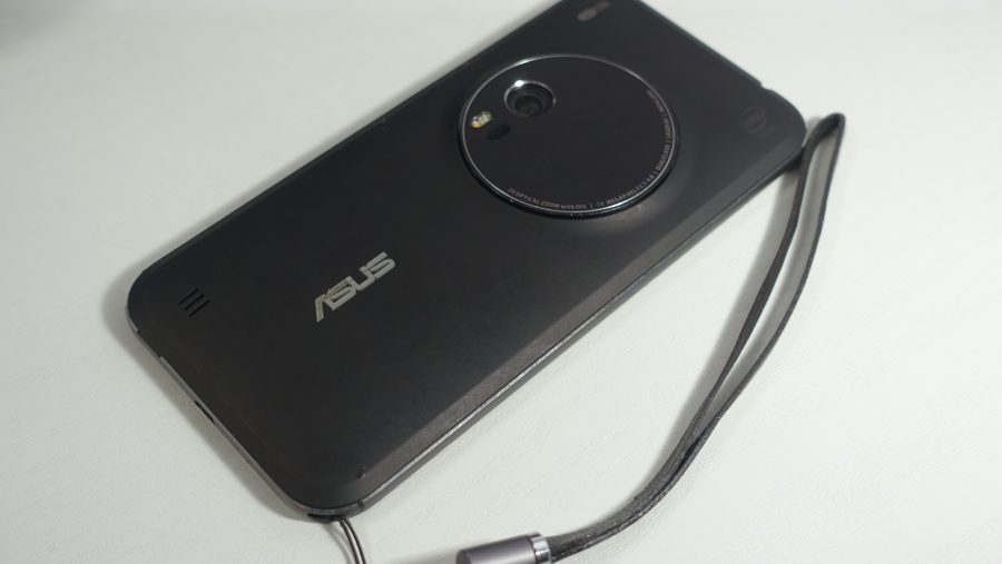 ZenFone Zoomも潜望鏡型のズーム機構を採用