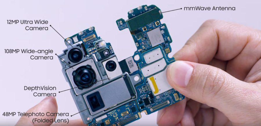クアッドカメラモジュールと基盤
