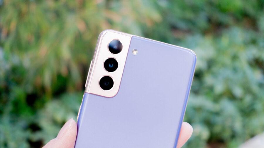 カメラ周囲のデザイン