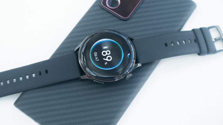 Galaxy Note20 Ultraのワイヤレスバッテリー共有でHUAWEI WATCH 3を充電している様子